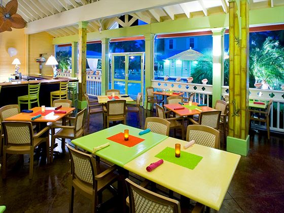 Sunshine Grill restaurant at Sunshine Suites Cayman Islands