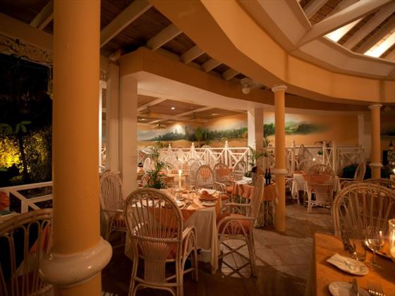Tamaras restaurant at Coco Reef Resort
