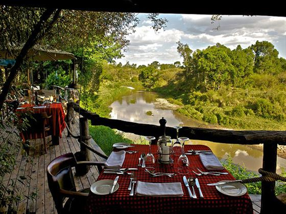Terrace dining at Mara Explorer
