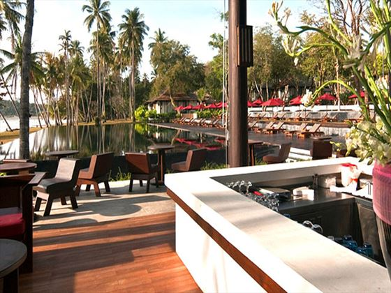 The Beach Bar at The Vijitt Resort