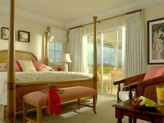 The Landings Deluxe Ocean-front Villa Suite bedroom