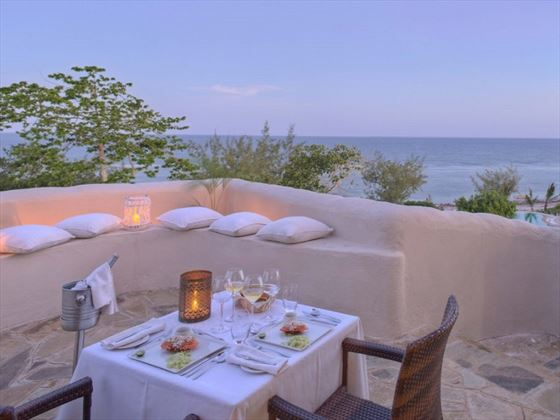 Al fresco dining at The Ocean Spa Lodge