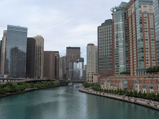 Trump Tower, Chicago River