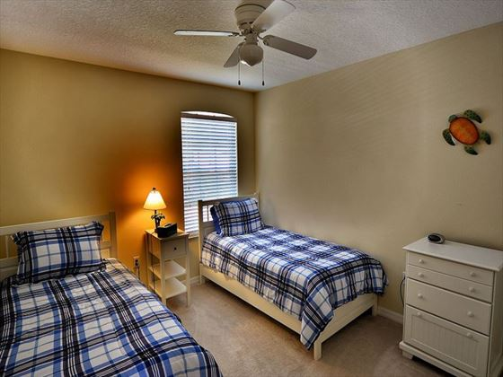 Twin rooms at Sarasota Bradenton Area Pool Homes