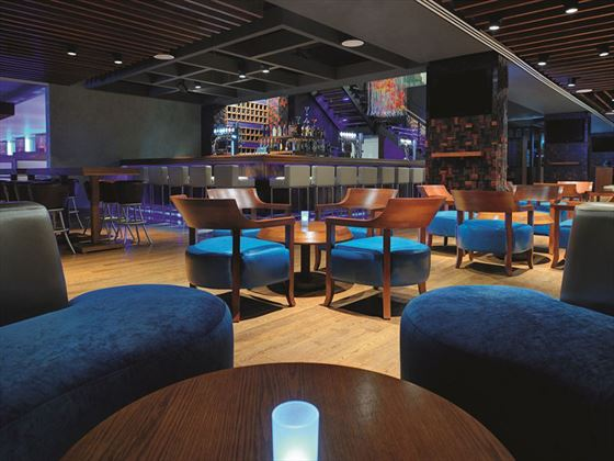 Urban Bar and Kitchen at Movenpick Jumeirah Lake Towers