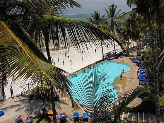 The pool at Voyager Beach Resort