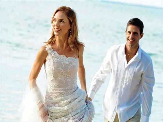 Wedding couple at Veranda Palmar Beach