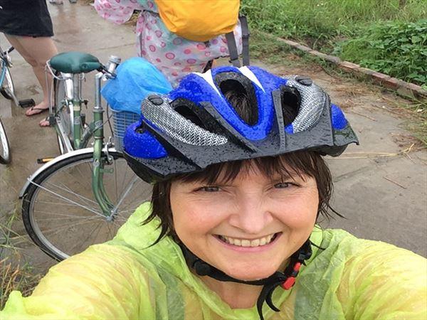 claire aldegather selfie vietnam