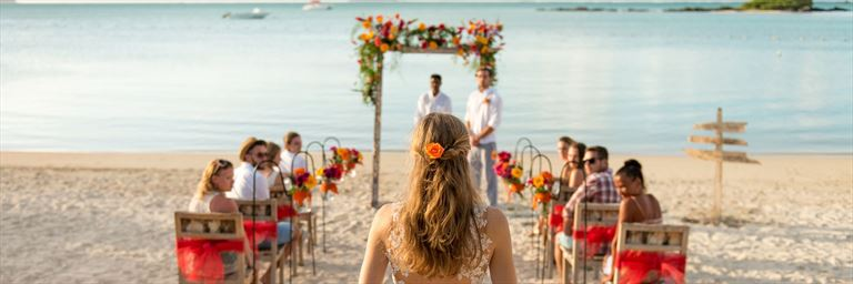 Marrying on the beach at Zilwa Attitude, Mauritius