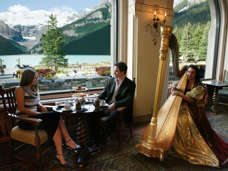 Fairmont Chateau Lake Louise Lakeview Lounge