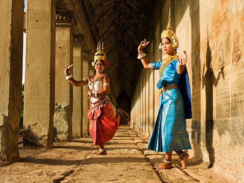 aspara dancers angkor wat