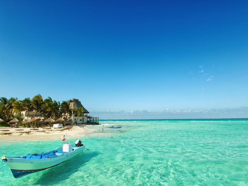 beach at isla mujeres