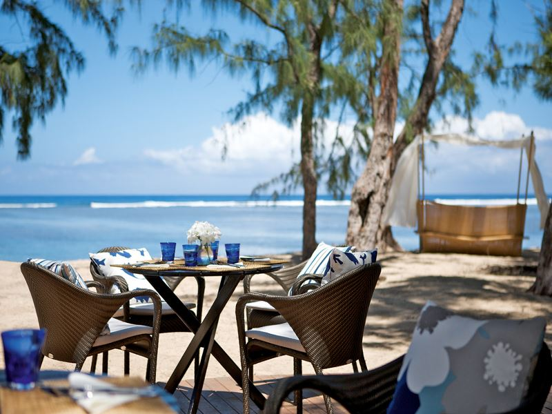 beachfront dining at lux ile de la reunion