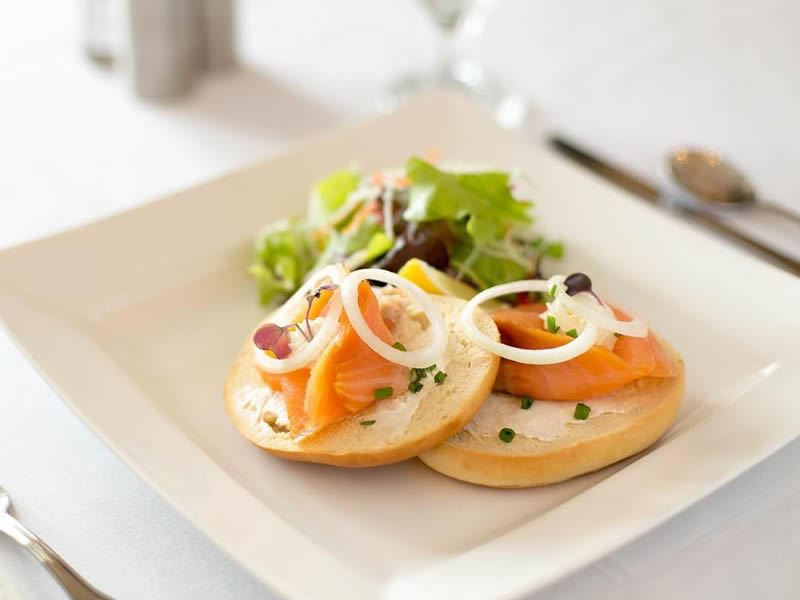 champers restaurant smoked salmon bagel