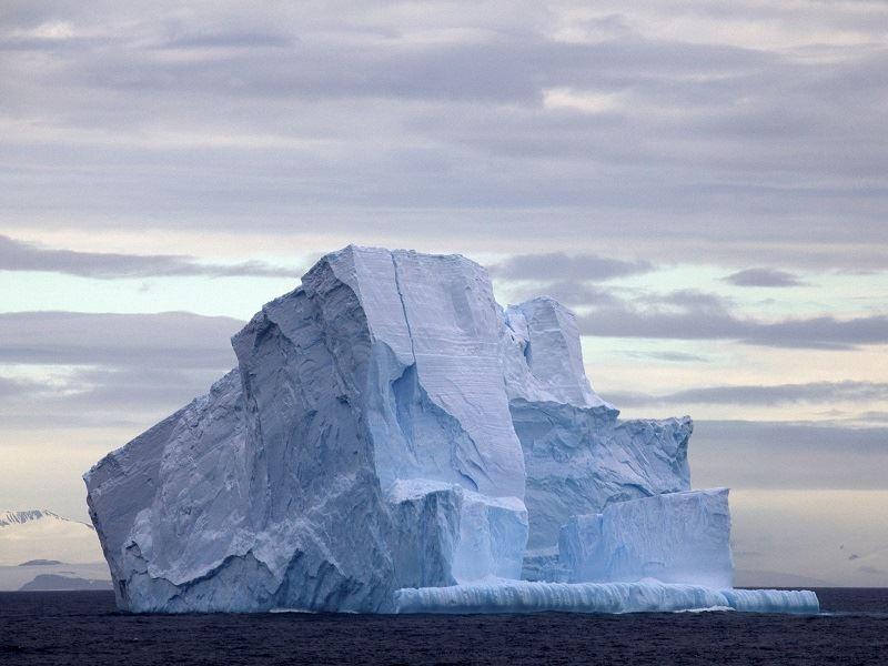 drake passage iceberg antarctica