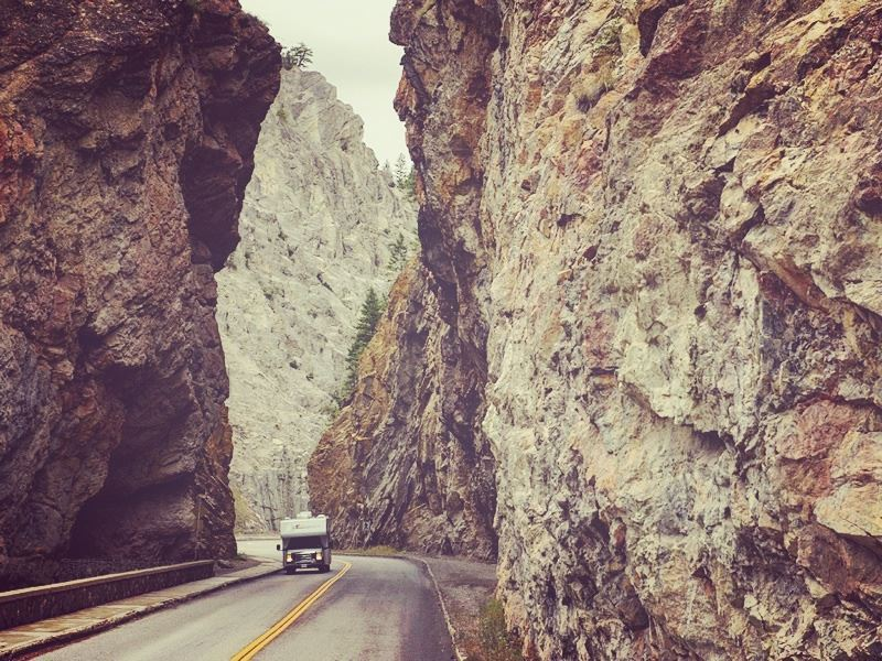 driving an rv through the radium hot springs in the kootenay national park