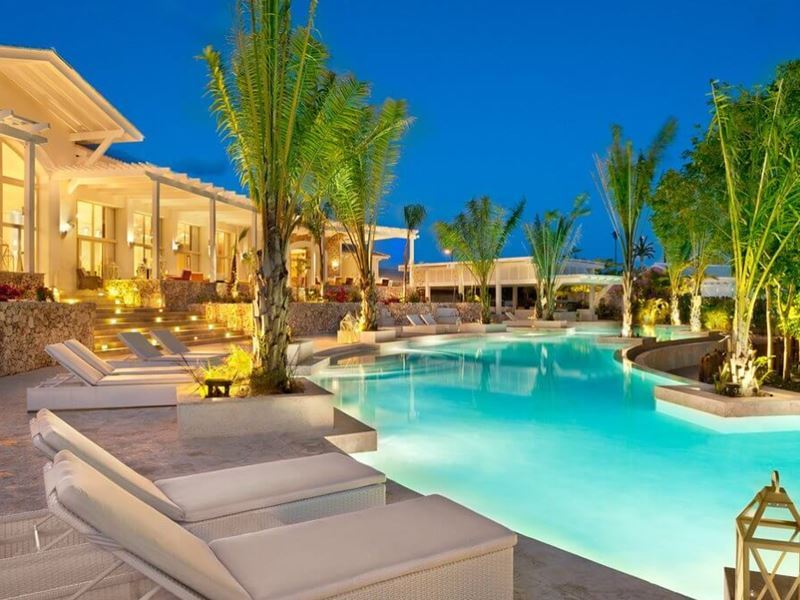 Eden Roc main resort pool