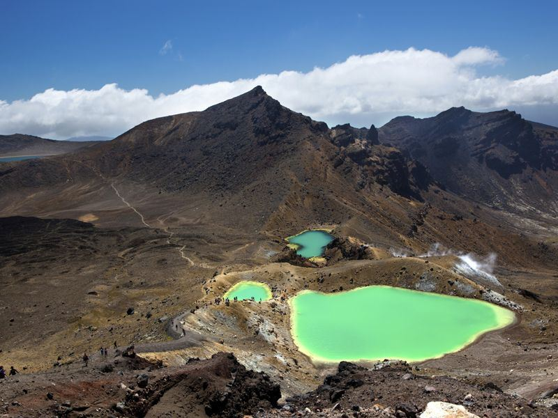 emerald lakes in tongariro national park