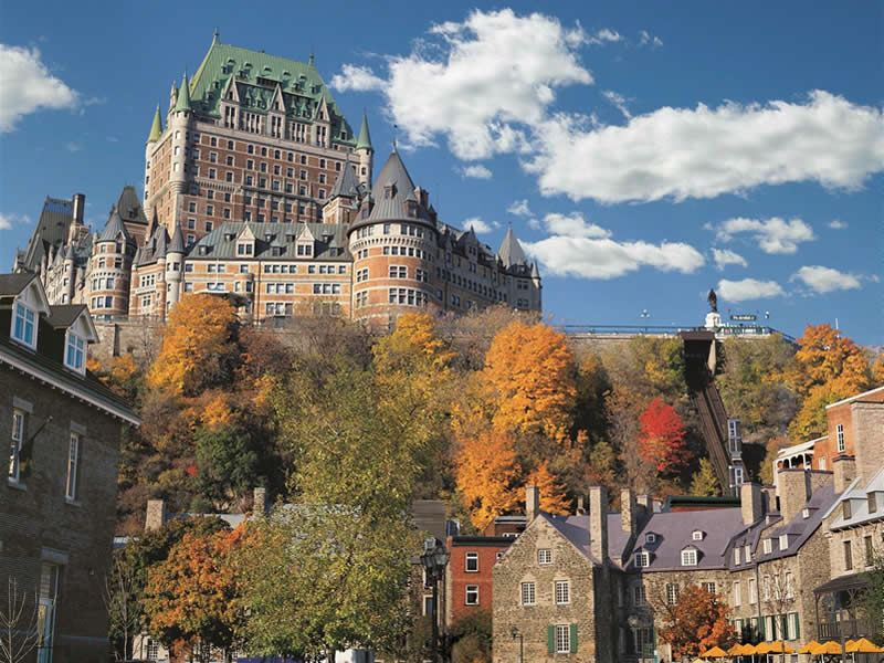 fairmont le chateau frontenac in the fall