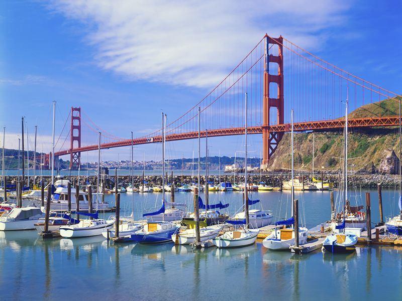golden gate bridge and sail boats