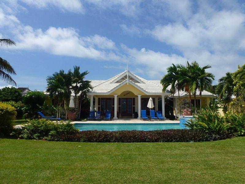 resize idleaway high res garden pool villa