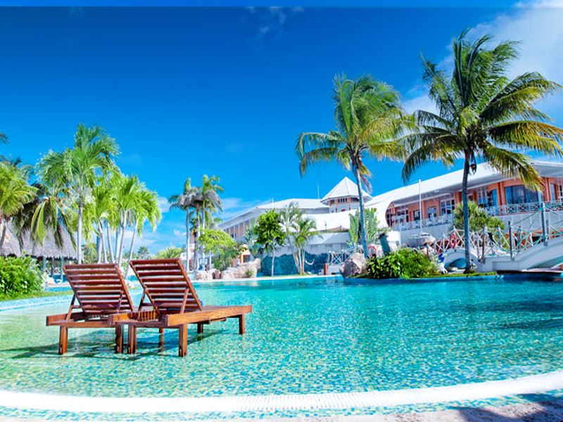 sandals royal hicacos swimming pool