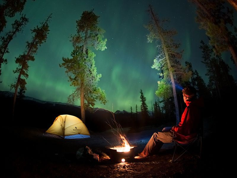 viewing the northern lights in jasper