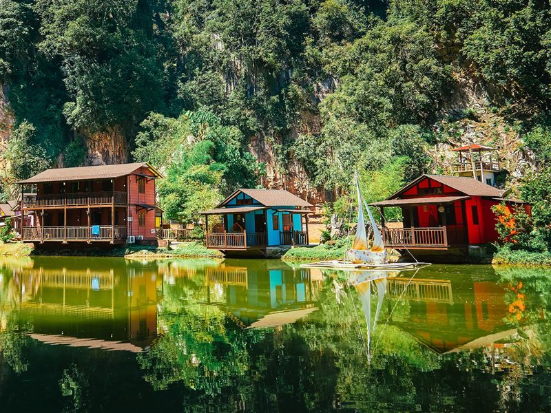 wooden house ipoh lake malaysia
